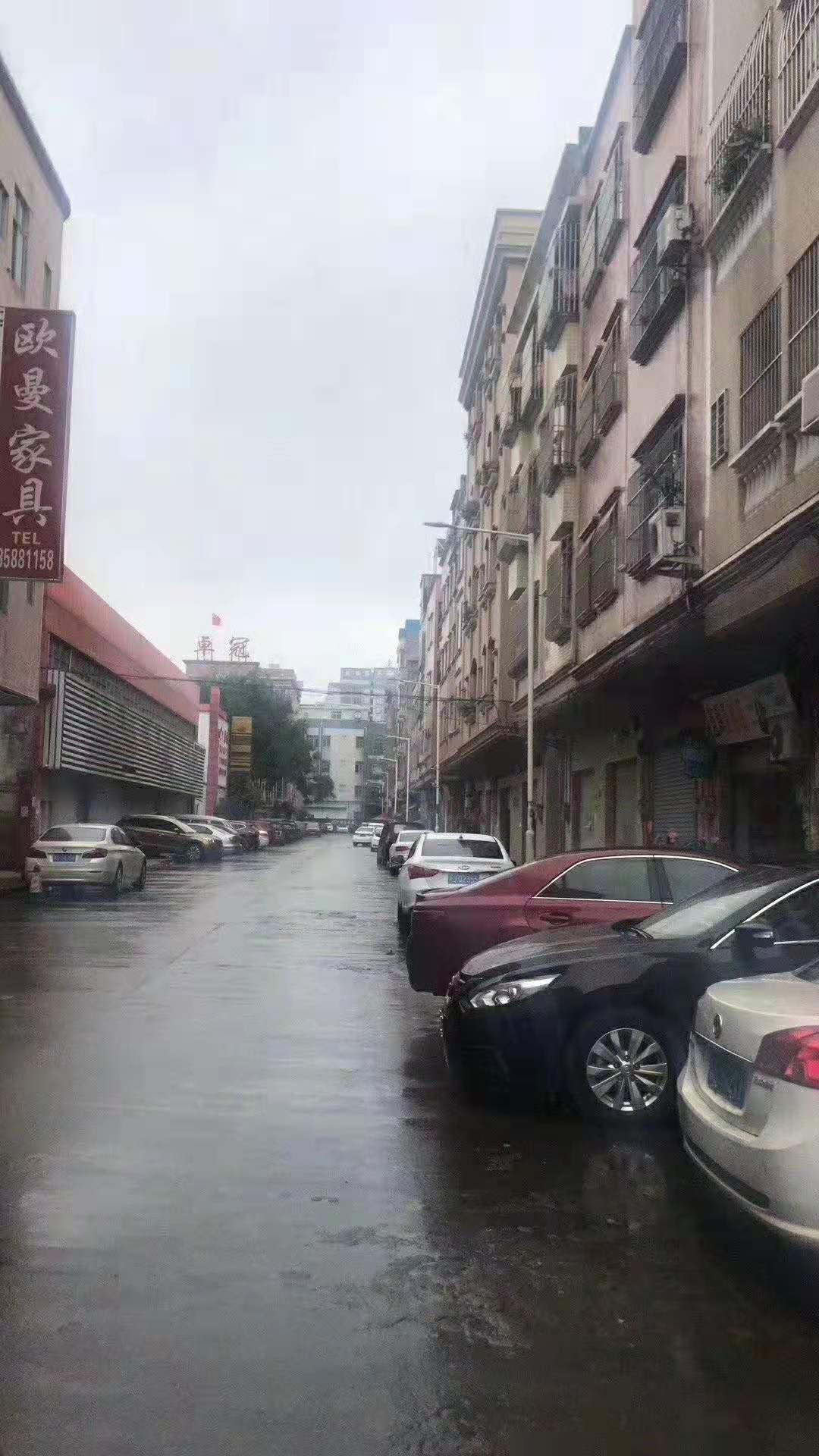 东莞土地网厚街广场附近带铺四层私宅仅售150万!